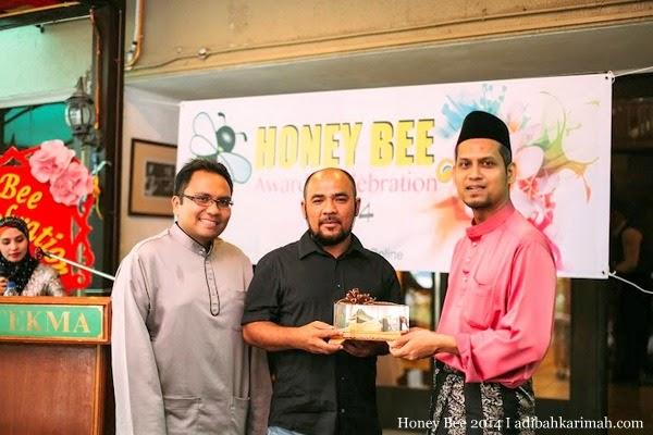 HBO meraikan anugerah CDM Azlan Deraman dlm Honey Bee Award