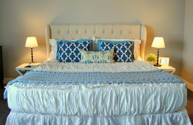 white blue master king bed
