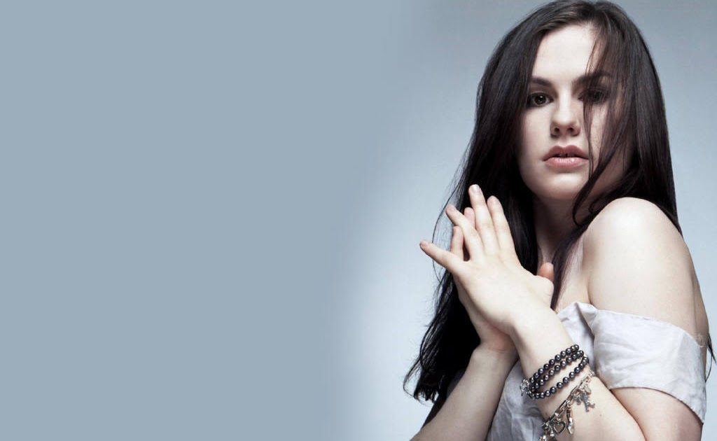 Kunty pictures: Anna Paquin Wallpapers Anna Paquin