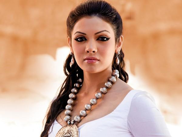 http://4.bp.blogspot.com/-2WM6PVv2y8Y/TvXS10bvLzI/AAAAAAAACkc/nke2xAGN7T0/s1600/Pakistani+actress+Mona+lisa+hot+%281%29.jpg