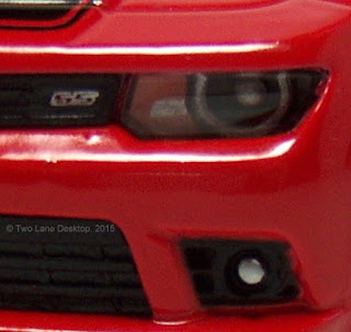 Kinsmart 1:38 2014 Chevy Camaro SS vs. Maisto 1:43 2010 Chevy Camaro ...
