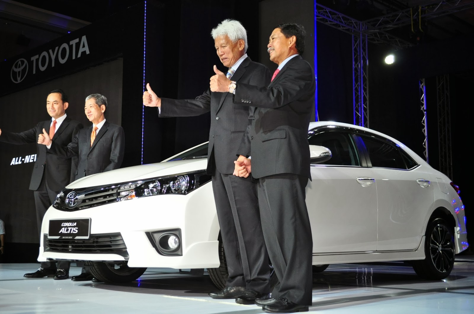 Umw toyota launched the all new altis price starts from rm114 000