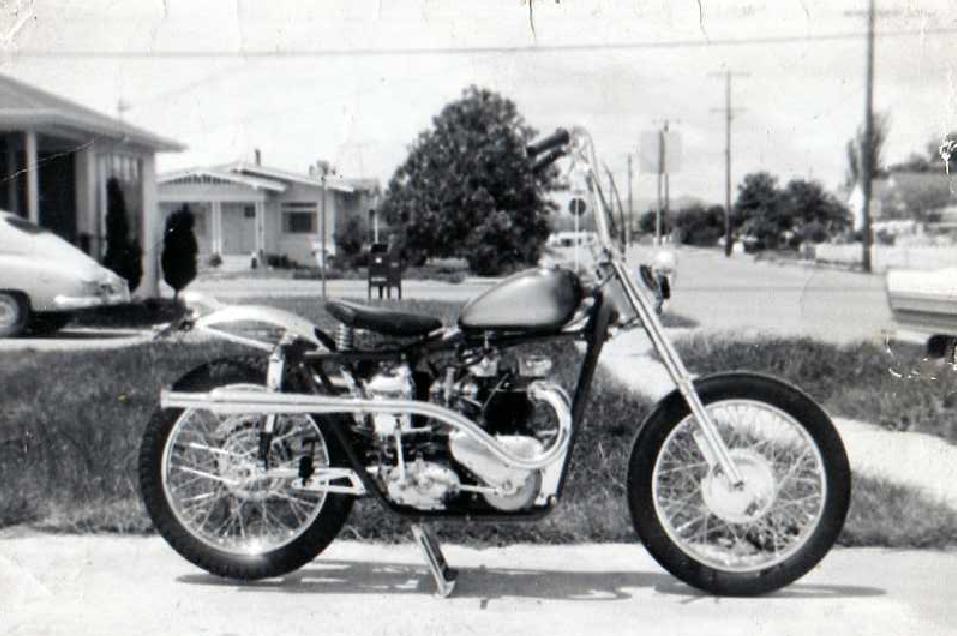 http://4.bp.blogspot.com/-2WhBAxxdHMs/U8fiHbfsKrI/AAAAAAAAv4k/GXlUw6obe5g/s1600/Ray%27s+Triumph+Chopper+Circa+1964.png