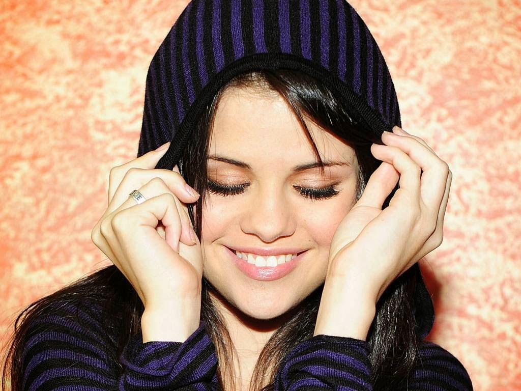Actress+Selena+Gomez+Photos007
