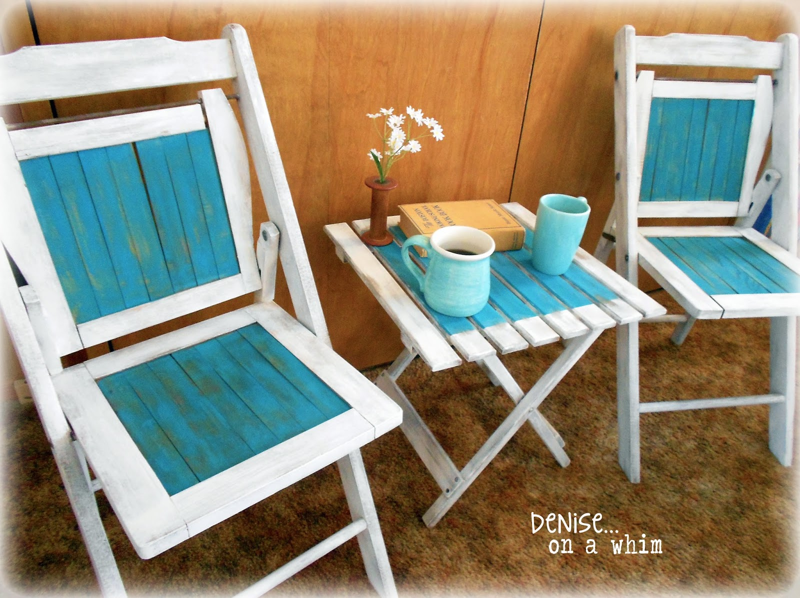 Lovely set of vintage wooden folding chairs and slotted table via http://deniseonawhim.blogspot.com