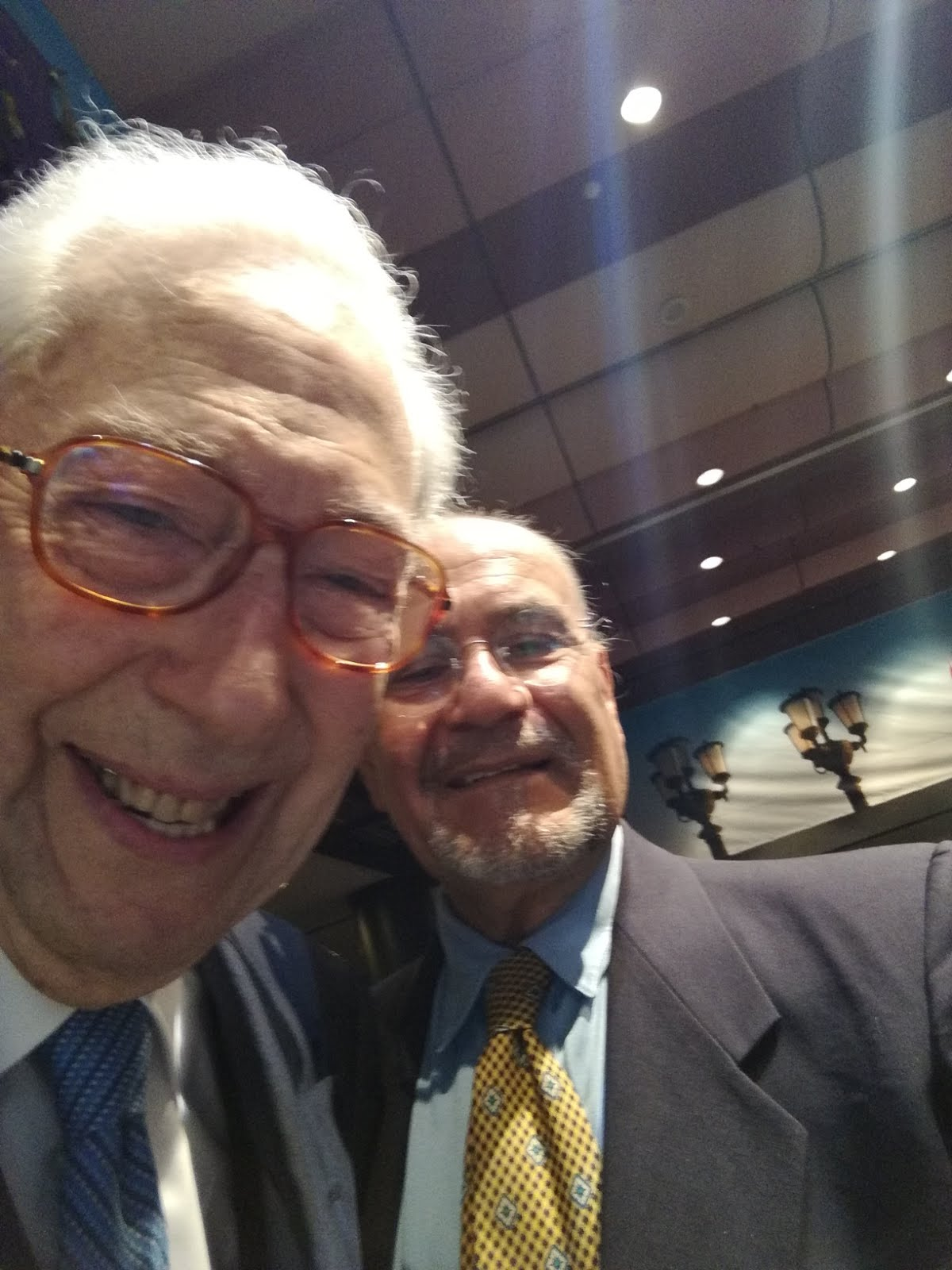Pino Grimaldi e il direttore del blog. Pietro Vitale