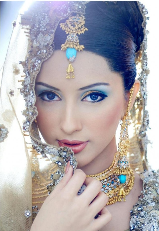 Bridal Makeup Pictures : Fashion world latest Fashion: Asian bridal make up ...