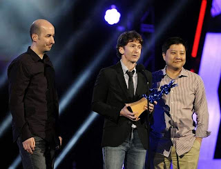Todd Howard receiving the award