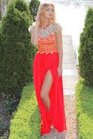 Rochie lunga de seara, in nuante de rosu-corai