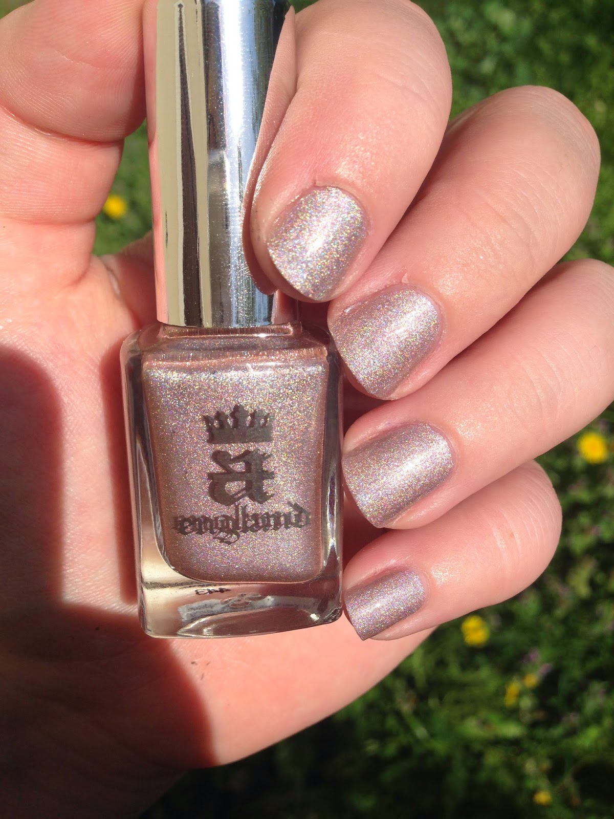 Swatch du vernis Her rose Adagio de la collection Ballerina de chez A England