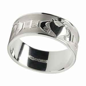 ... Mens Claddagh Wedding Ring 3 Unique Irish Wedding Ring Wearing ...