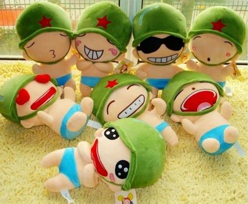 Boneka lucu dengan rupa tentara China