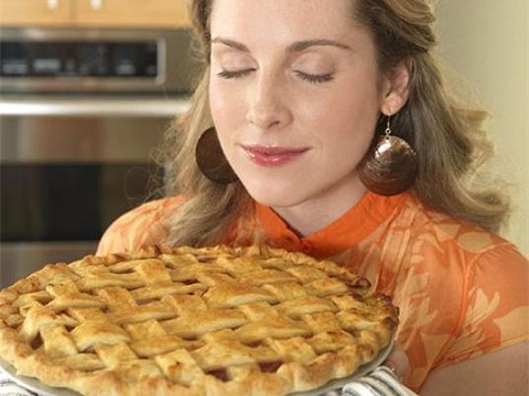 smelling pie