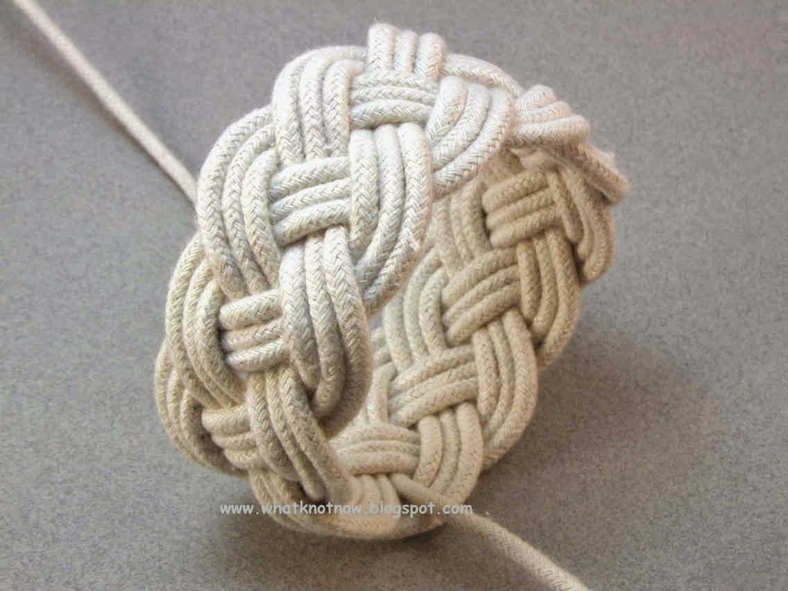 A Slightly More Complex Four Part Turks Head Knot Is Shown In This Ilrated Tutorial 11x4x3