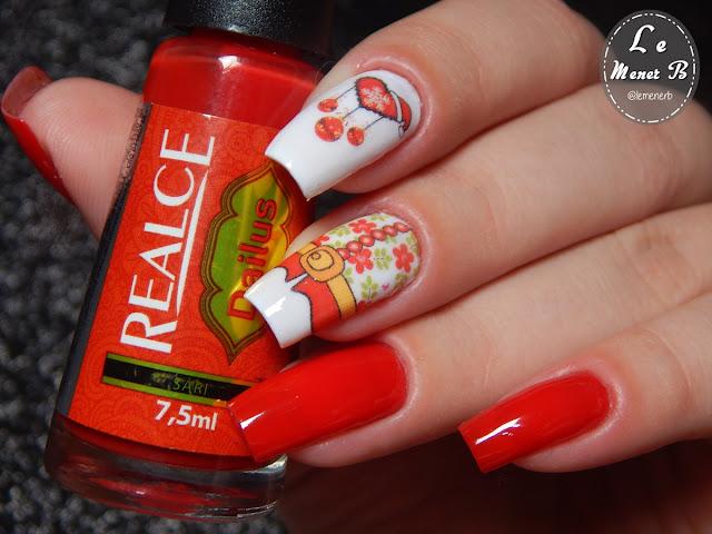 unha decorada vermelha