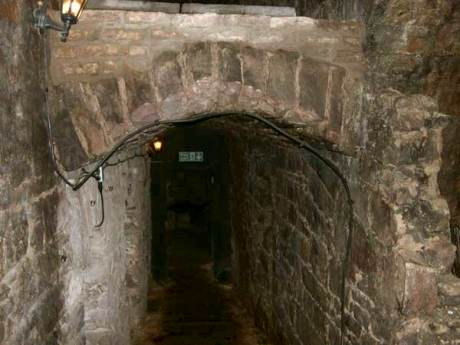 La antigua ciudad subterránea de Edimburgo 33834-underground-edinburgh-vaults-0