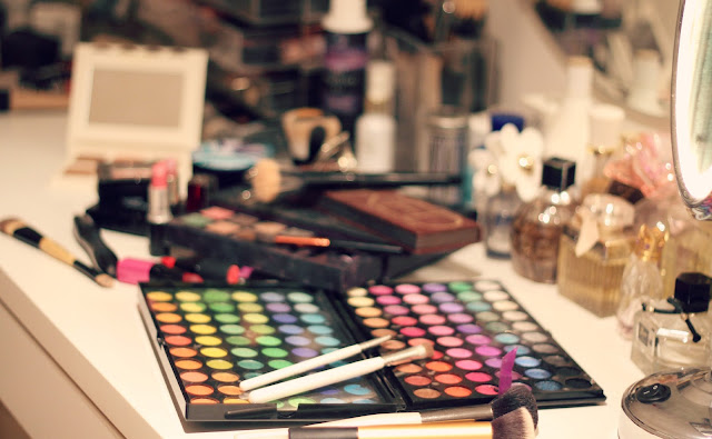 things-to-do-inside-make-up
