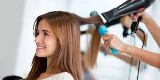 memotong rambut