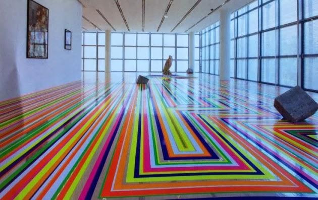 Lantai Rumah Dengan Warna-Warnai Mencolok