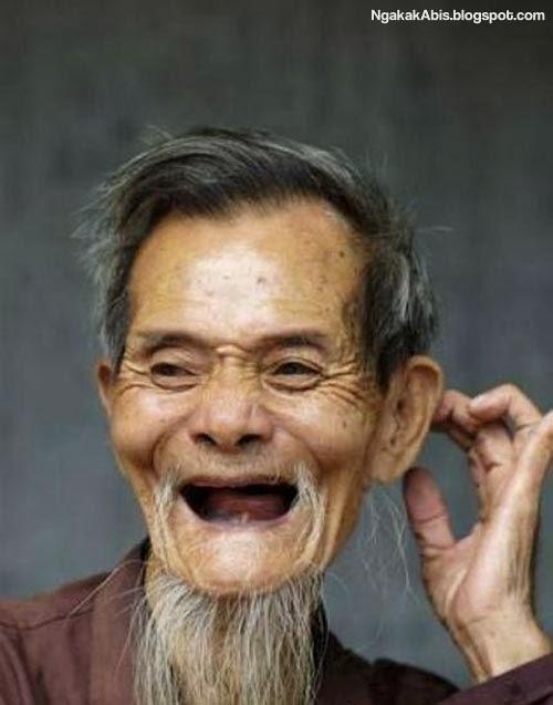 Orang Tua gigi ompong