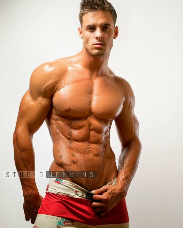 Daily Bodybuilding Motivation: More of the Incredible Physique of Logan Franklin