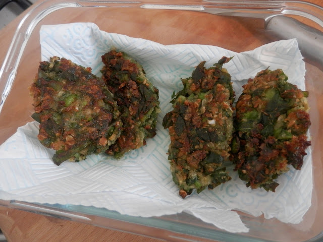 Broad bean falafel. Vegan naan bread. What do Vegans Eat?  Easy Vegan Meal and Snack Ideas. secondhandsusie.blogspot.co.uk
