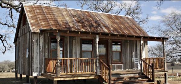 The Hippy Home A Tiny House for A Tiny Life
