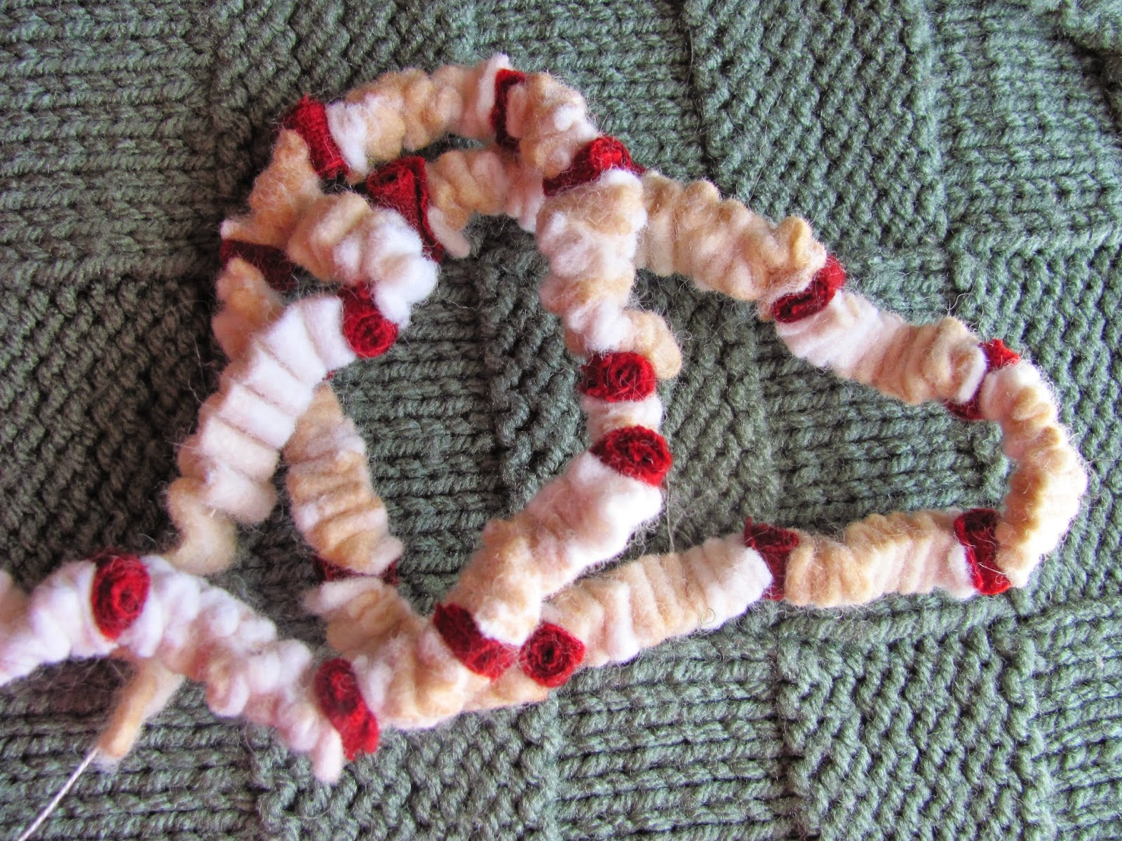 Free Wool Popcorn Garland Directions for Wool Tree's or anything !!