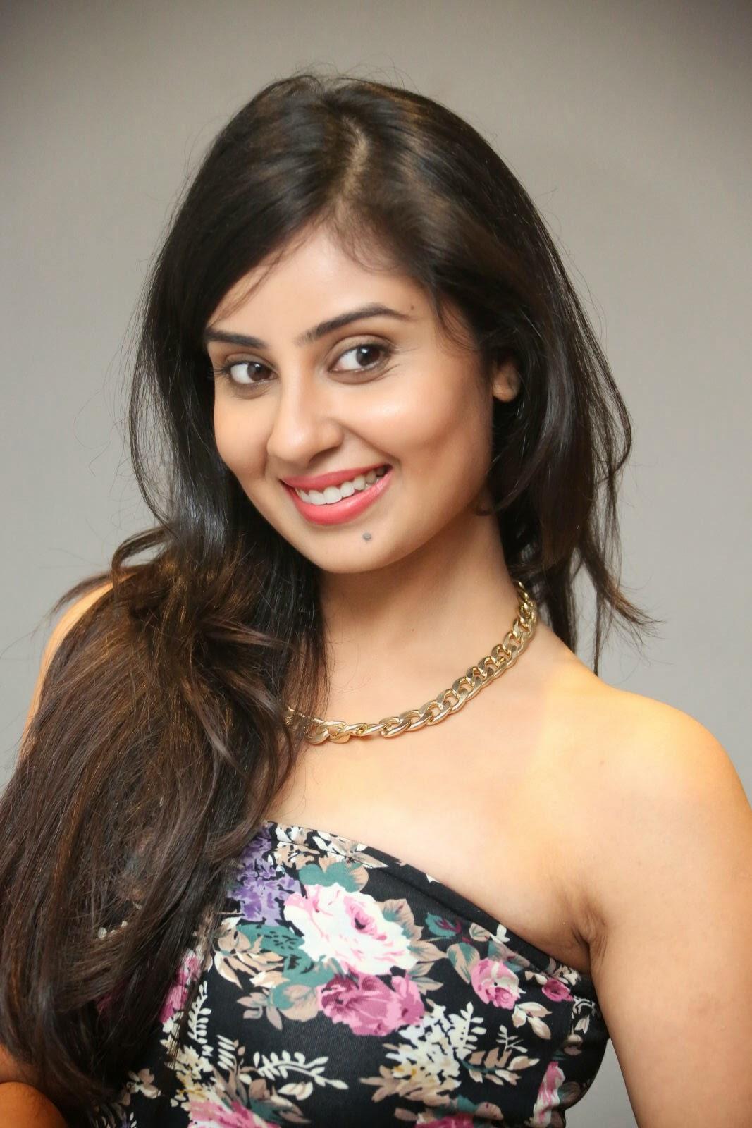 Bhanusri Mehra latest glam pics-HQ-Photo-20
