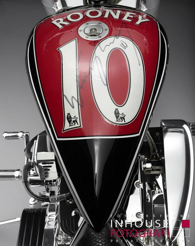 Back in 2012, Manchester United star Wayne Rooney teamed up with exquisite Danish bike builder Lauge Jensen for a custom project to be auctioned for charity. This unique machine went under the hammer at Bonhams and fetched a hefty $66,000 (more than €50,000), with all the proceeds being donated to KidsAid, a Danish foundation helping ill children.