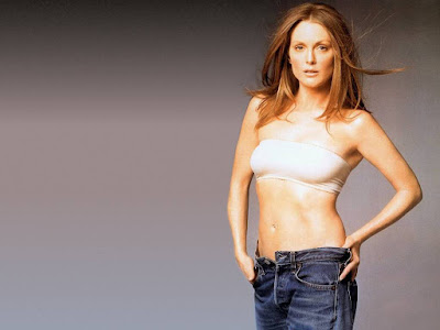 American actress Julianne Moore Hot Wallpapers
