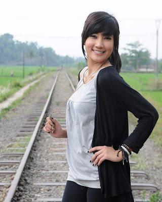 foto hot Adelia Rasya