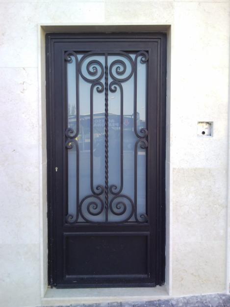 Taller de ornamentaci n suarez for Ver modelos de puertas