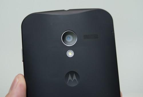 La fotocamera posteriore da 10 mega pixel del Motorola Moto X è capace di registrare video a 1080 per 60 fps.