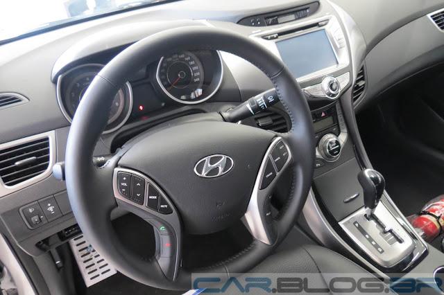 novo Hyundai Elantra 2014 - interior