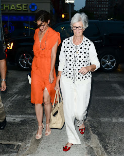 Katie Holmes out for coffee with her mom