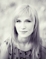 ---- Anji Dombrov ----