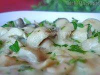 Ciulama de ciuperci cu smantana preparare reteta