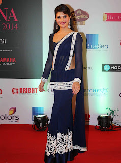 Jacqueline Fernandez Pictures in Blue Saree at Femina Miss India 2014 Finale ~ Celebs Next
