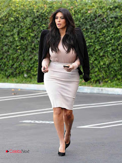 Kim Kardashian Pictures in Stylish Short Dress in Los Angeles  0003.jpg