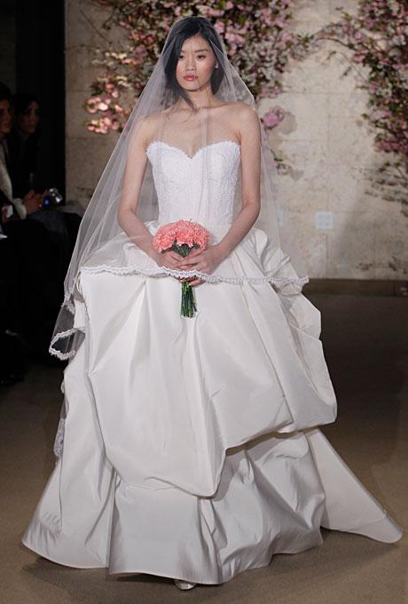 De la renta весільні сукні весна літо 2012