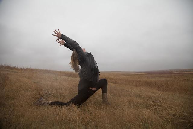 fall, autumn, yoga, lunge, asana, prairie yogi, becky watson, fall equinox