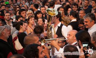 Banda de Goran Bregovic entre el público del Festival RioLoco 2015