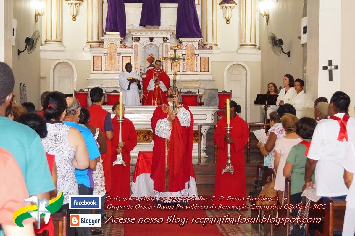 Sexta feira Santa dia  18 de Abril: Solene Celebração da Paixão do Senhor às 15hs.