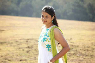 Tamil Actress Udhasha Latest Photo Gallery