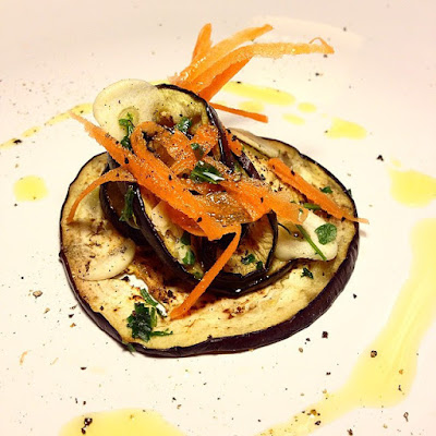 aubergines marinées, grillées à la plancha, une cuisine vegan, sans gluten