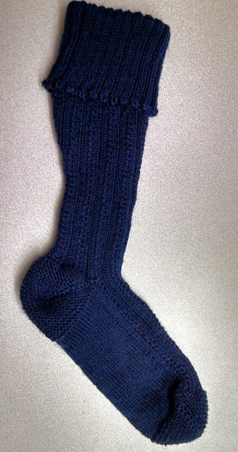 Free Knitting Pattern For Kilt Socks : Russet Lodge Custom Knits: New Pattern - Toe-Up Kilt Hose ...