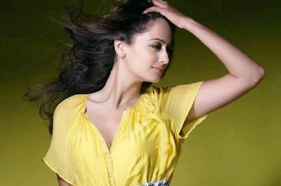 Telugu-Kaveri-Jha-Hot-Actress