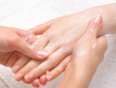 How to hide or remove spots and freckles on hands