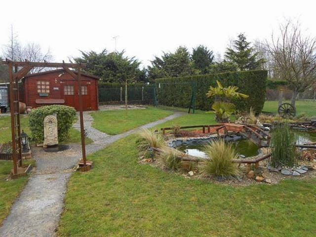 Notre jardin avec son bassin